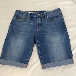 Gap 1969 Skinny  Bermuda Shorts size 27